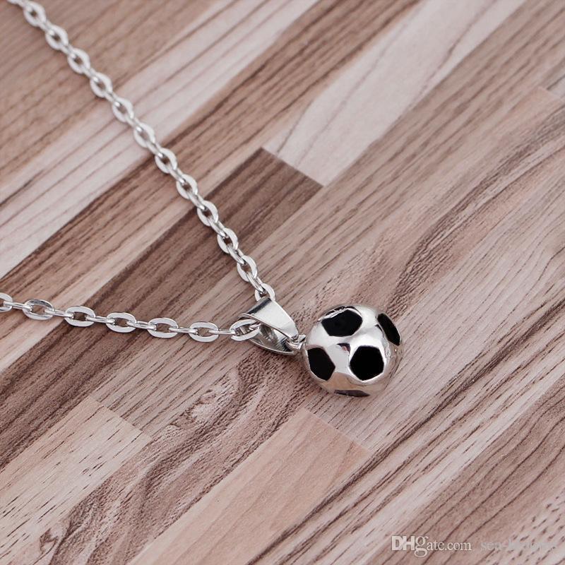 Colares de futebol Mulher Bola Pingente de Colar Amante do futebol Presente do Dia dos Namorados Copa Do Mundo Fãs Charme 3D Declaração de Jóias Livre DHL G311S