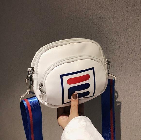 4f78015451 Borsa sportiva esterna calda Borsa mini telefono cellulare moda Borsa  tracolla larga Messenger bag Spedizione gratuita