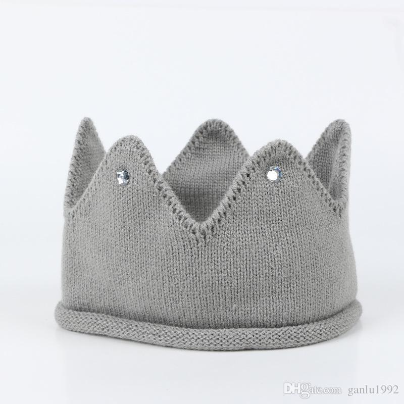 Fashion Children Cap Creative Lovely Hand Knitted Crown Shape Hat Multi Color Boys Girls Caps 5 8hs C R