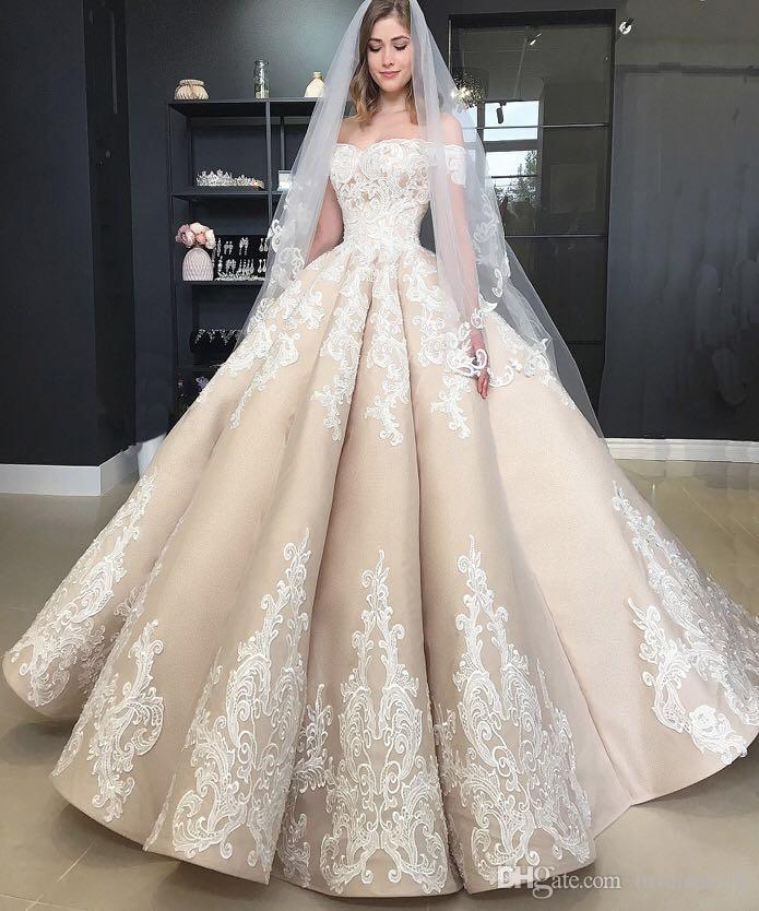 bba5ce2a61a Acheter Vintage Puffy Champagne Robes De Mariée Plus La Taille De L épaule  Appliques Pays Jardin Robes De Mariée Femmes