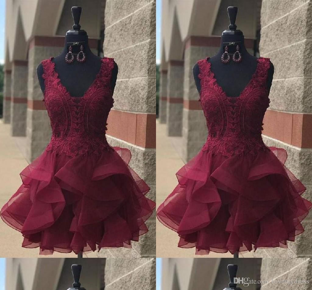 Burgundy Ruffles Cocktail Dresses 2019 V-neck Cap Sleeve Lace Open Back Short Prom Dresses Graduation Dress For Girls Homecoming Dress