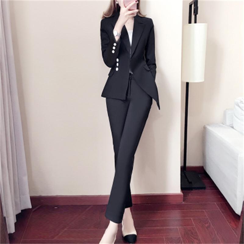72cbb6f1e72194 Costume noir et blanc petit costume 2018 Nouvelles femmes Slim tempérament  de printemps modèles de mode à deux pièces