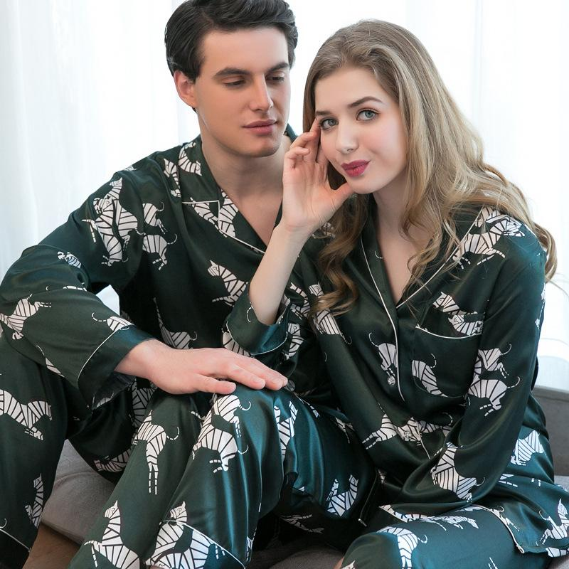Couples Long Sleeve Pajamas Girls Ice Silk Sexy Sleepwear Mens Silk Homewear 2pcs Cardigan Men's Home Suit Plus Size D-2169