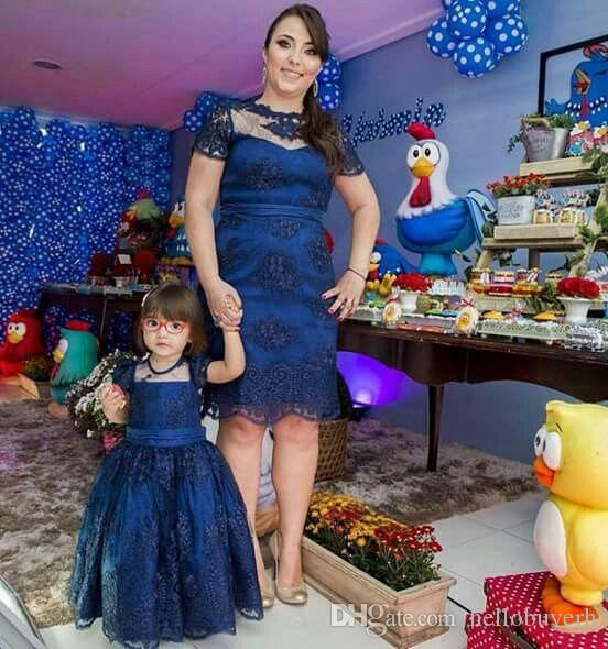 Vestido azul royal mae e filha