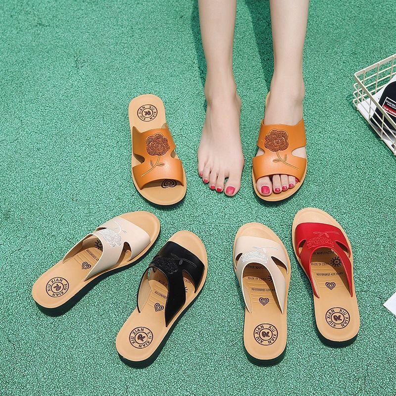 3f8692f36 2018 Summer New Korean Female Sandals Flat Non Slip Toe Sandals Tide Rose Flower  Beach Sandals And Slippers Slippers For Women Cheap Shoes For Women From ...