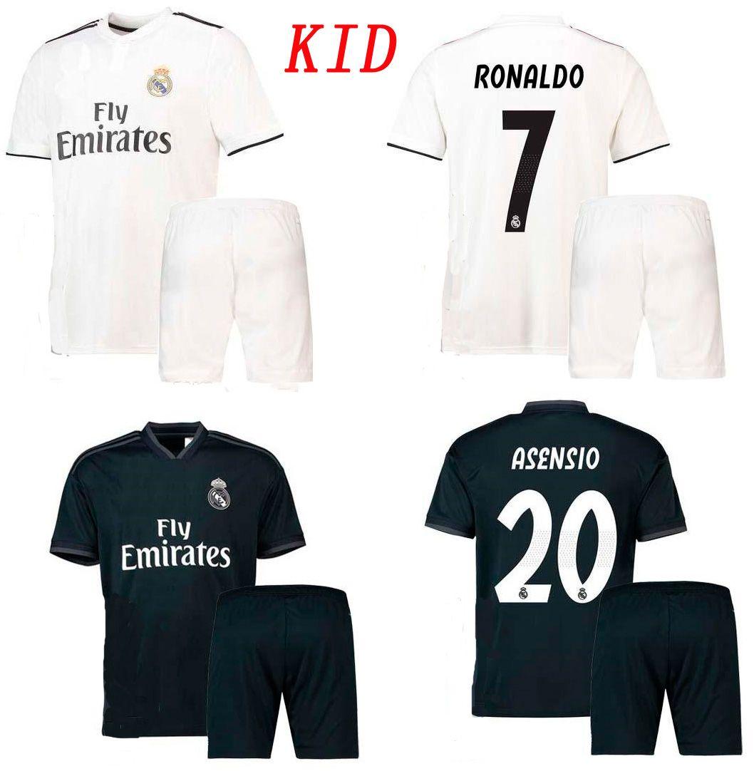 dfdc9b933eed6 18 19 Real Madrid Kids Soccer Shorts De Jersey 2018 2019 Ronaldo Ramos  Kroos Bale Asensio Isco Football Set Niños Thai Quality Football Kits Por  ...