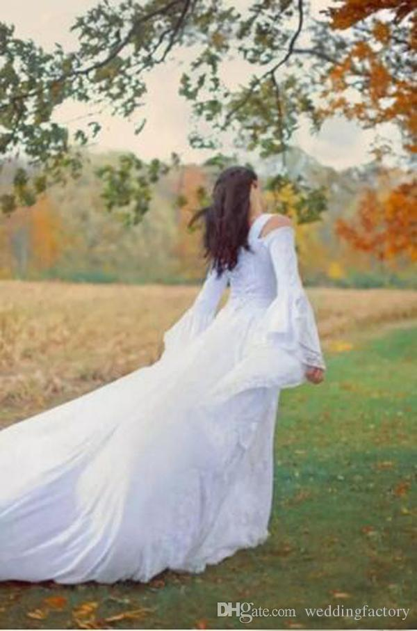 Vestidos de novia góticos negros vintage Una línea medieval fuera del hombro correas Mangas largas Corsé Vestidos de novia con tren de la corte por encargo