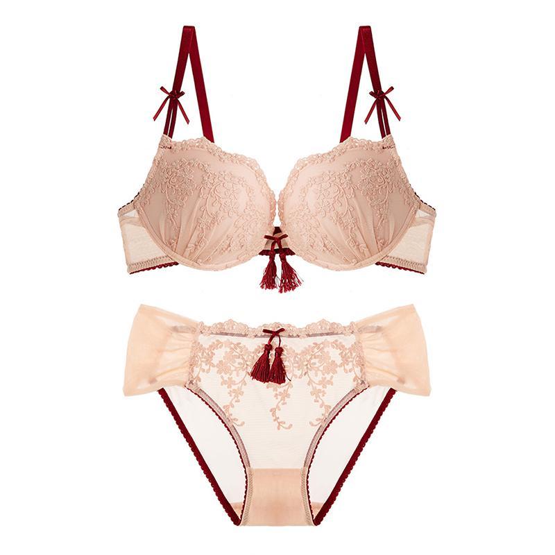 Compre Atacado Mulheres Sexy Conjunto De Sutiã Lingerie Feminina Roupa  Interior Feminina Sexy Lace Bordado Borla V Profundo Reúna Underwear  Underwire De ... a6cde1d0953