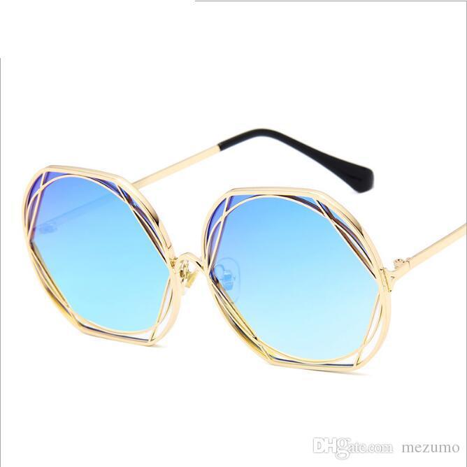 a7deb5f82c169 Compre Óculos De Sol De Ouro Para Homens Mulheres Com Molduras De Metal  Retro Luxo Óculos De Sol Muito Legal Óculos De Alta Qualidade Sol Brilhos  De Mezumo
