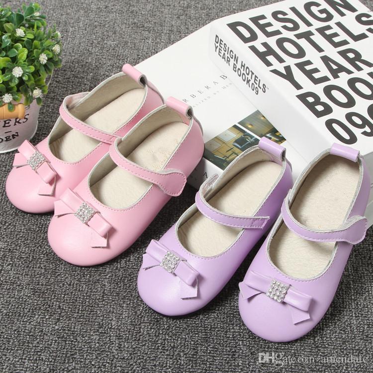 a765c339 Compre Versión Coreana De Nuevos Zapatos Para Niñas Nueva Versión Coreana  De Zapatos Casuales De Marea Niñas Arco Zapatos De Cuero Con Fondo Blando A  $21.03 ...