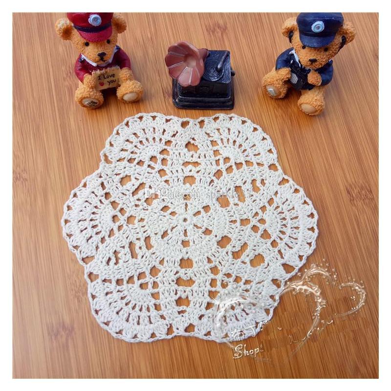 Atacado Retro Handmade Crochet Rodada Flor Doilies Americano Casa Mesa Placemats 19 cm Tiro Adereços Coaster Presente de Casamento 20 pçs / lote