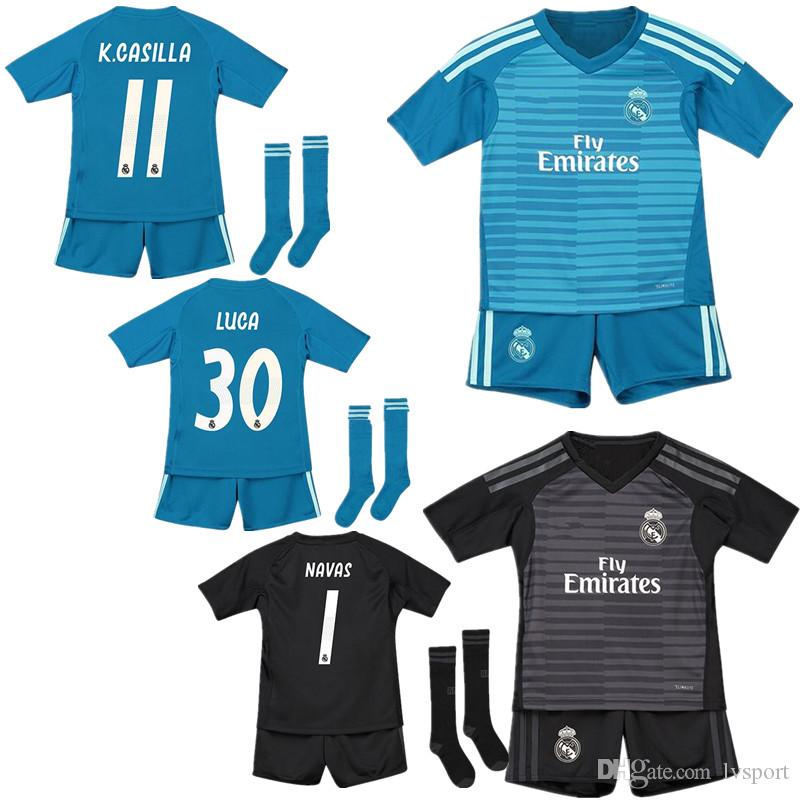 the latest cae41 6be0e 18 19 Real Madrid Goalkeeper NAVAS CASILLA Home Green Soccer Jersey Kids  Kit 2019 RM Away COURTOIS LUCA GK Black Boys Football Jersey
