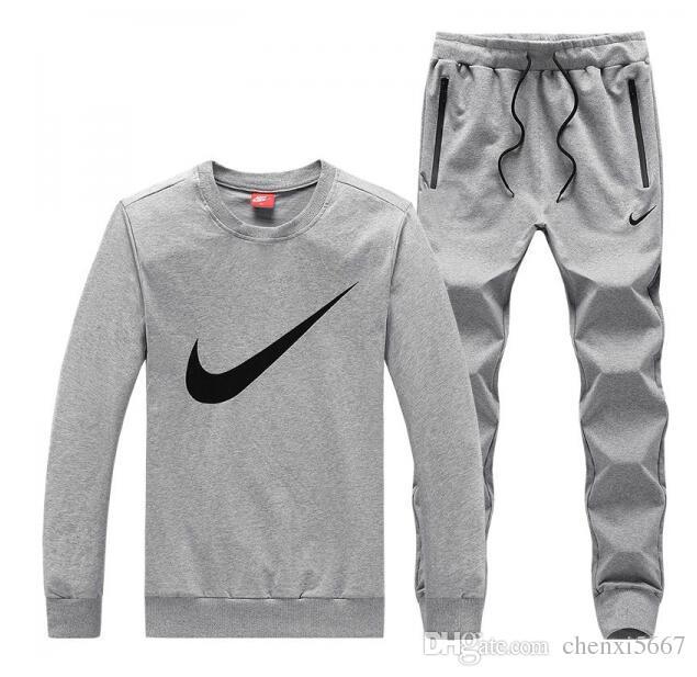 f52cccc9f6 Completo Tuta Uomo Acquista Sportiva Nike Bianco xgPIHq