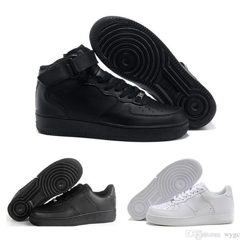 official photos 59c31 c21bf Acheter 2018 Nouveau One Dunk Hommes Femmes Flyline Chaussures De Course,  Sport Skateboard Ones Chaussures Haute Basse Taille Blanc Noir En Plein Air  ...