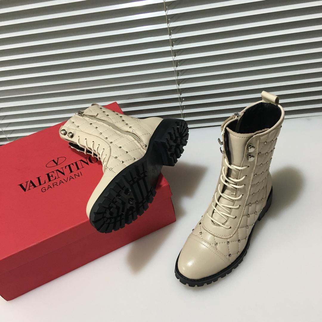 0499ca926f3aa 2018 Italian Luxury Brand V   Lentino New Ladies Leather Boots Metal Liu  Ding Zipper Belt Car Line Design Decorative Casual Boots Sports Boo Red  Boots High ...
