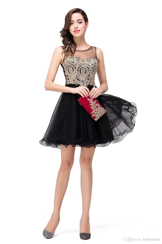2019 Sheer Boyun Küçük Siyah Kısa Diz Boyu Mezuniyet Elbiseleri Gerçek Görüntü Altın Aplikler Ruffles Mini Balo Kokteyl Elbiseleri CPS362