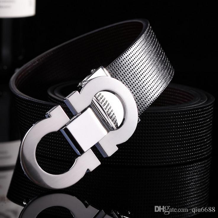 Ceintures de cuir de vachette hommes vente chaude, à la mode homme loisirs en cuir mots prennent la marque boucle lisse ceinture en cuir livraison gratuite