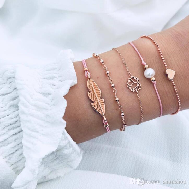 6063c1421c1149 Acheter Femmes Bracelet Feuilles Amour Coeur Perle Lotus Main Bracelet À  Breloques Pour Femmes Famale Bijoux Cadeaux D'anniversaire / Set De $2.34  Du ...