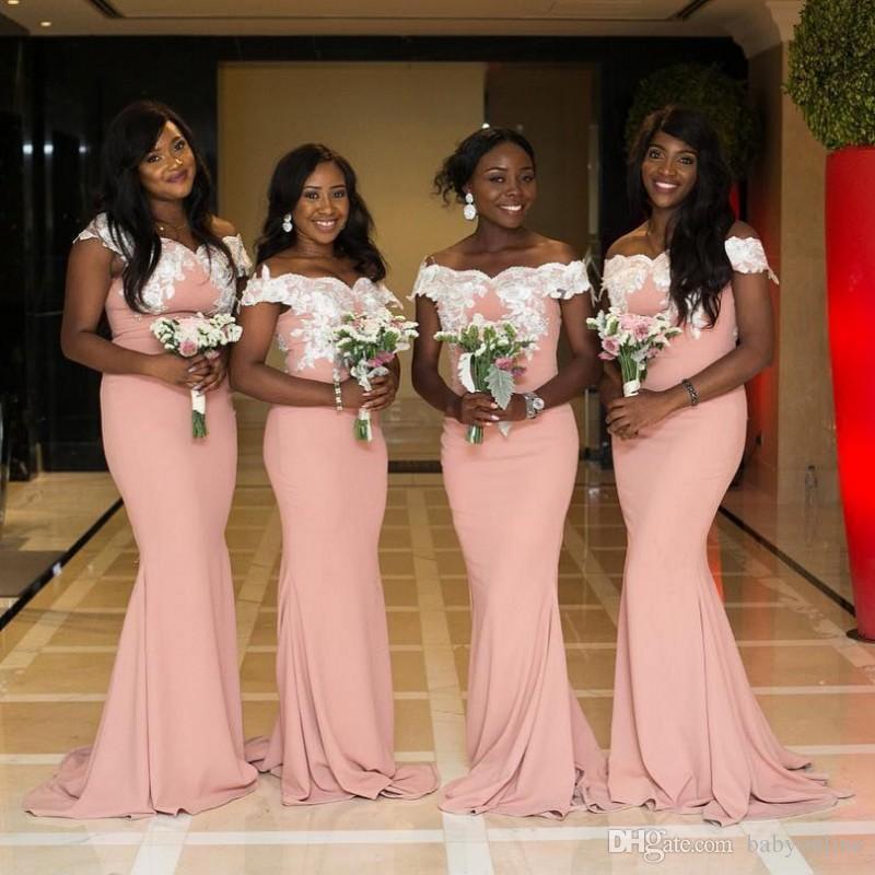 Compre 2018 Estilo De África Do Sul Nigeriano Vestidos De Dama De Honra  Plus Size Sereia Maid Of Honor Vestidos De Casamento Fora Do Ombro Do Laço  Formal ... 492fca32ee87