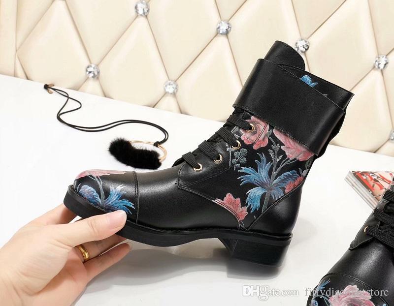 0fb7d2a1b043 Acheter Top Black Iconic Wonderland Ranger Chaussures Ankle Boot 1a4gva  Femmes Escarpins Mocassins Ballerines Espadrilles Compensées Sneakers  Bottes ...