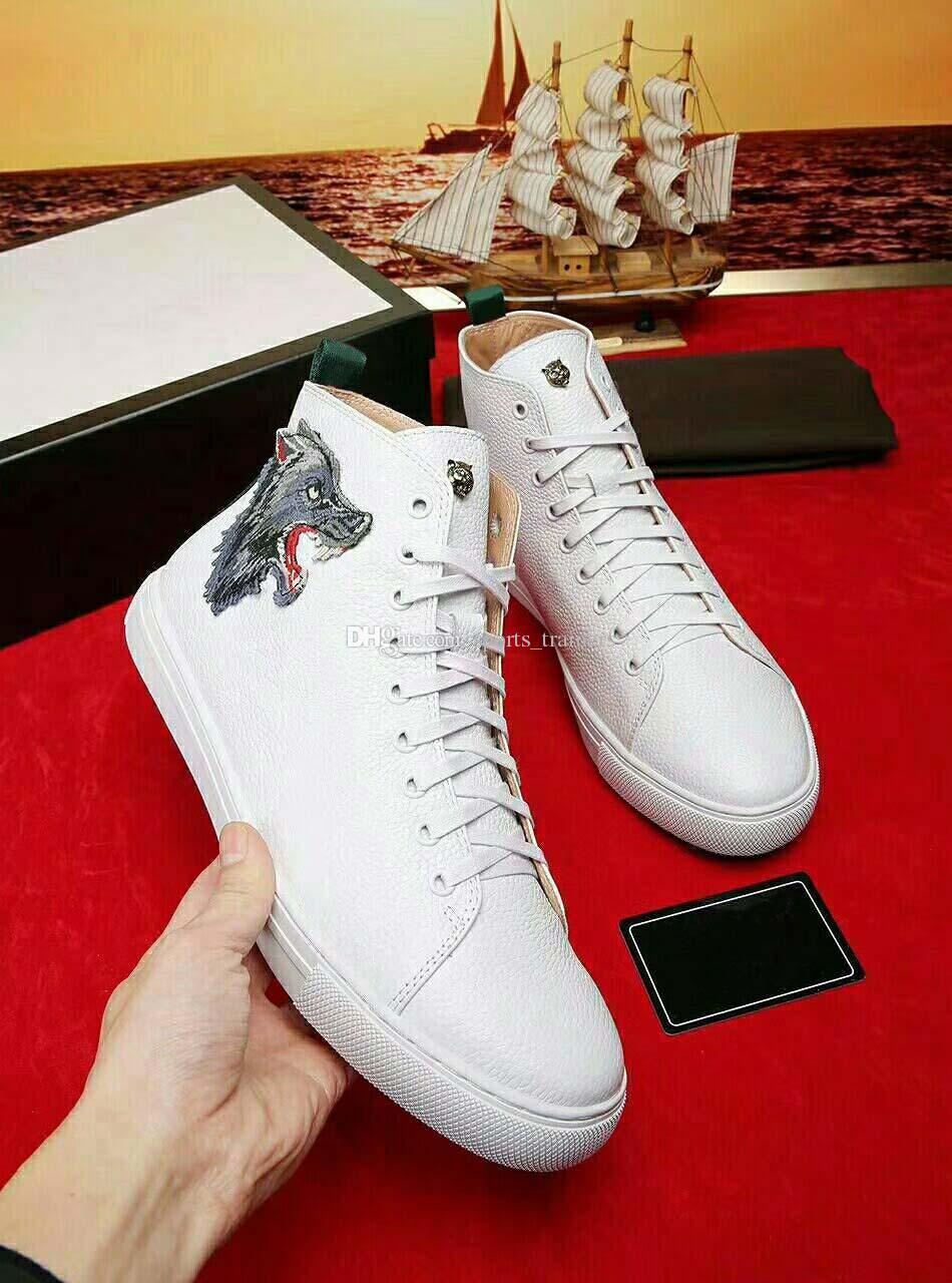 aec8abaf95a2 Acheter 2018 Designer Wolf Tiger Print Ace Brodé Baskets Hauts En Cuir  Blanc Chaussures Décontractées Mode De Luxe Hommes Femmes Noir Blanc  Sneakers De ...