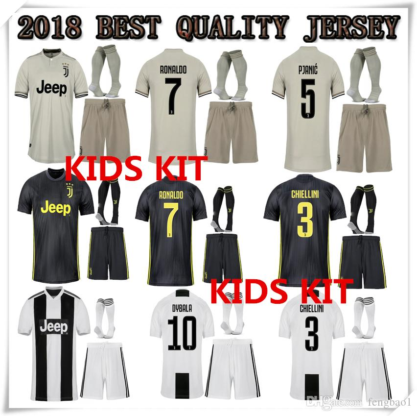 Compre CR7 2018 2019 Ronaldo Juventus Kit Infantil Jersey Home 18 19  MANDZUKIC MATUIDI HIGUAIN DYBALA D.COSTA Inicio Tercera Camiseta Infantil  Fútbol A ... 05e3be5e5f2e9