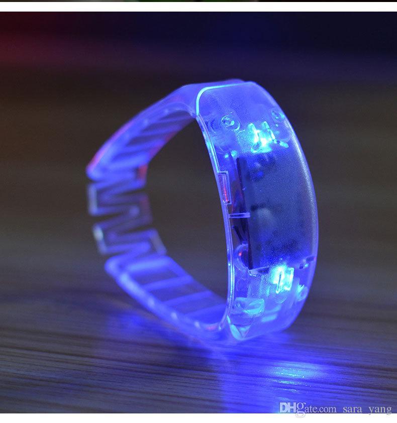 Vendita calda Sound Control Led lampeggiante Braccialetto Light Up Bangle Wristband Musica Attivato Night light Club Activity Disco Cheer giocattolo