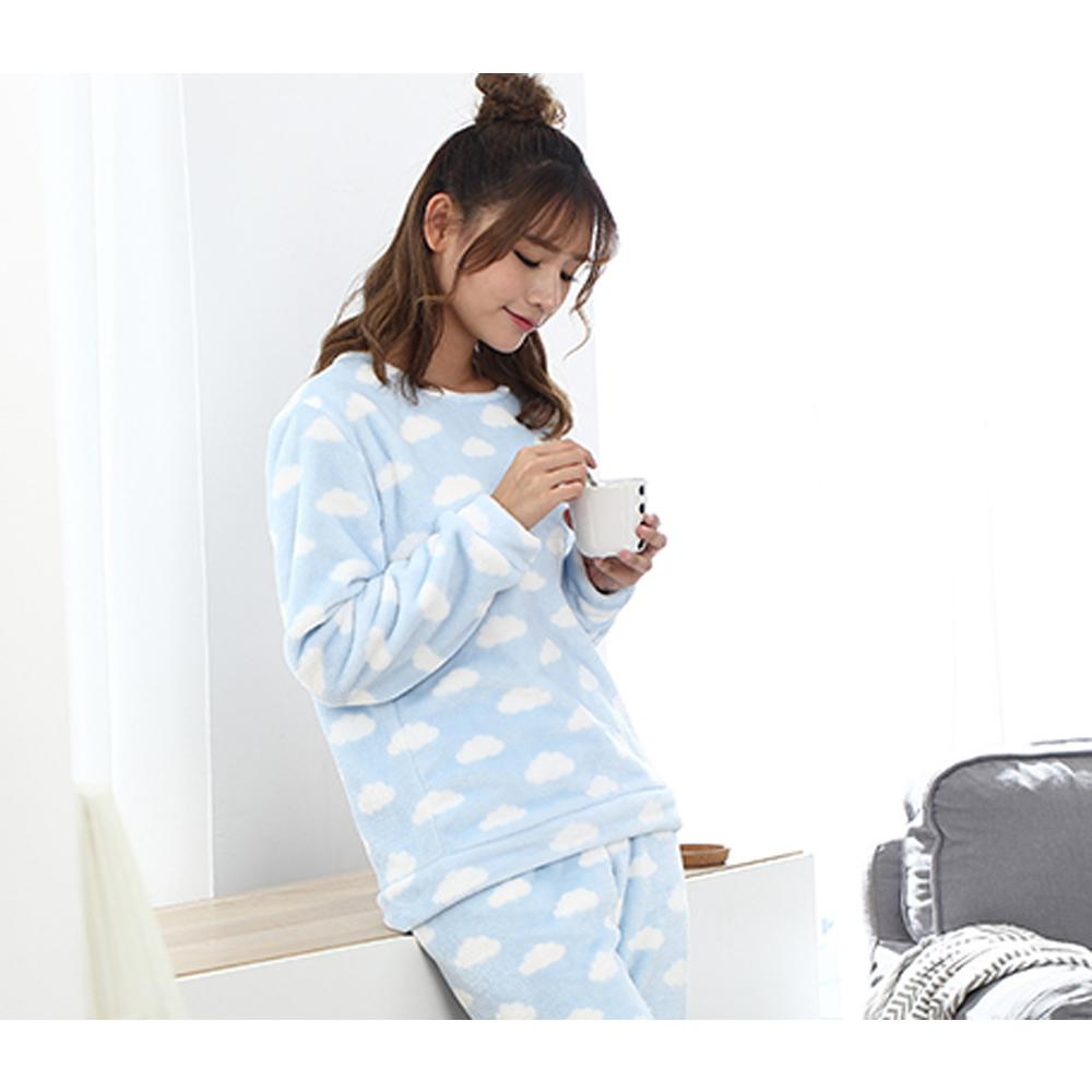 68e09e8f5b7a6 2019 Winter Coral Fleece Sleep Tops New Design Korea Style Long Sleeve  Thick Women Pyjamas Sweet Blue Clouds Printed Pyjamas From Beimu