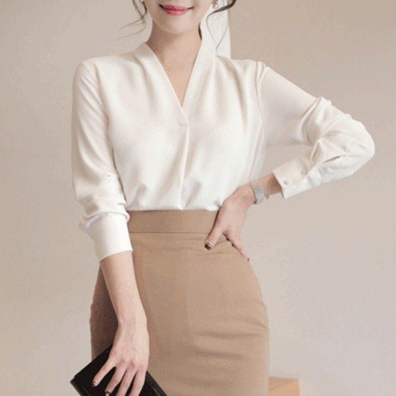 66cae1f6a Blusas Blancas de Corea Camisas 2018 Verano de manga larga con cuello en V  Chifón de moda OL Blusa tallas grandes Tops de mujer blusa feminina