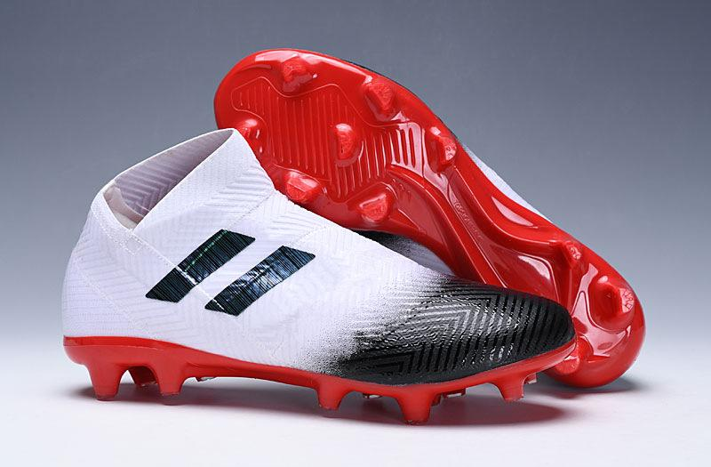 7ab5e64bebdaa Compre Nuevas Botas De Fútbol Nemeziz Messi 18.1 Predator ACE 18+ Modo  Espectral FG TF Zapatos De Fútbol Tango 18 PureControl Tacos De Fútbol A   35.54 Del ...