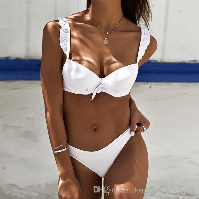 18f27900ae66 2019 Bikini Push Up traje de baño de las mujeres Sexy Negro Blanco  Brasileño Bikini Set de cintura baja Ruffle traje de baño de las mujeres  traje de ...
