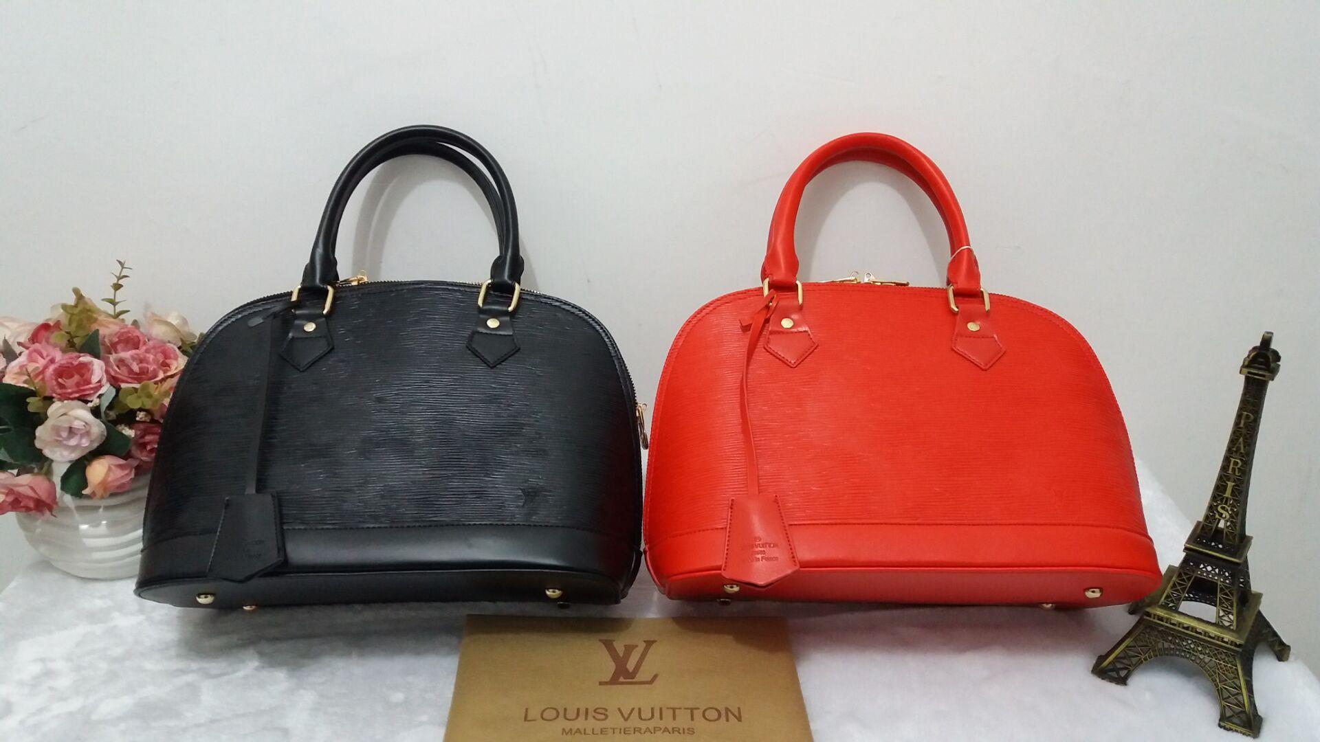 5dd5fe69ec8 Fashion Litchi Pattern Leather Handbags Women Tassel Casual Tote Bags Lock  Pendant Vintage Women Handbags Ladies Crossbody Bags