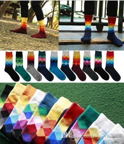 00f07b9268919 Acheter 12 Couleurs Chaussettes Pour Hommes British Style Plaid Calcetines  Gradient Color Marque Élite Long Coton Pour Les Hommes Heureux Gros  Chaussettes ...