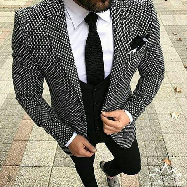 26e85a40aabe 2019 2018 Brand Style Suits Men Black White Floral Pattern Men Suit ...