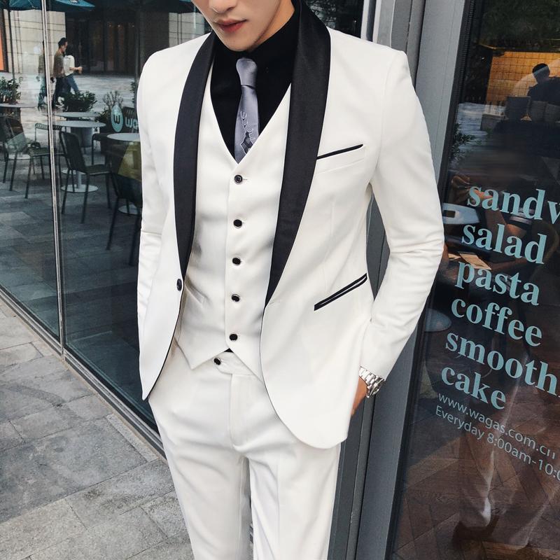 Acheter Costumes De Mariage Blanc Pour Hommes Costumes Designers 2018  Costume Mariage Homme Vintage Groom Business Italien Terno Robe De Chanteur  De  175.51 ... 223eb24fc7c
