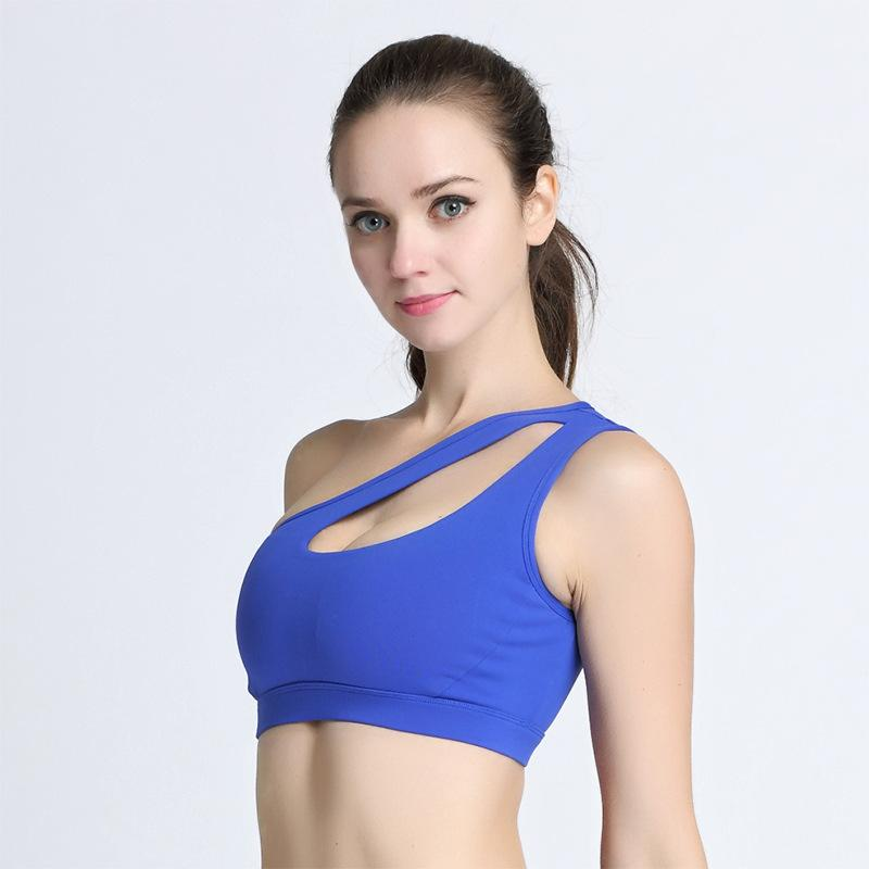 ef04e22f35b21 2019 2018 New Korean Fashion One Shoulder Hollow Out Women Female Bra Seamless  Push Up Brassiere Bandeau Shakeproof Plus Size From Meinuo003