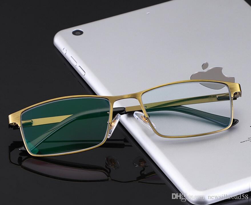 df9952bc5 Compre Marca Quente Óculos De Leitura Mulheres Homens Óculos Lupa  Inteligente Photochromic Luz Azul Bloqueio De Óculos Quadrado Liga De  Titânio Óculos De ...