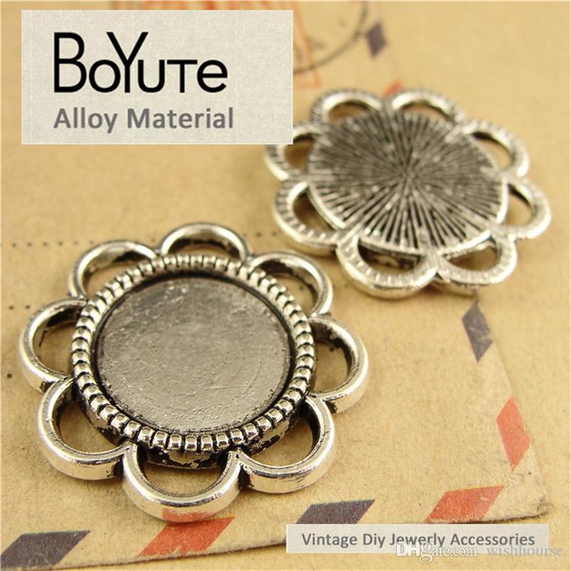 BoYuTe 60 Stück / Los 14MM Cabochon Base Vintage Diy Zubehör Teile Legierung Antik Bronze Silber Blank Tray Anhänger für Schmuckzubehör