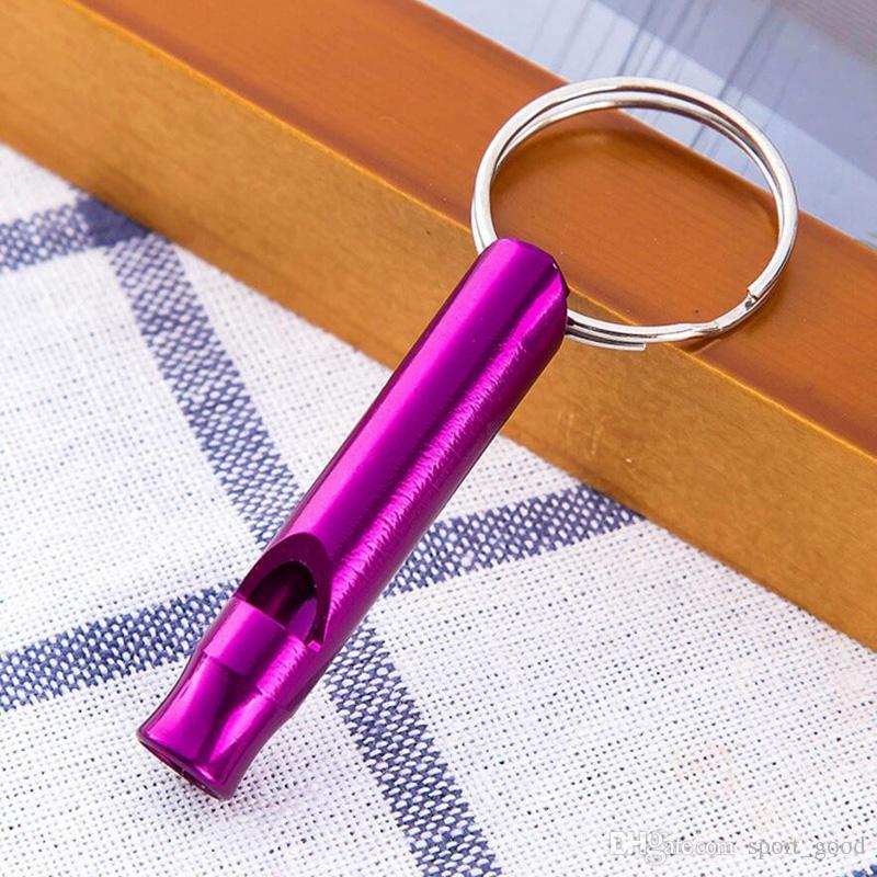Nouveau Coloré Multi-fonction Portable Sifflet Kit De Survie De Sifflet D'urgence Alliage Sifflets avec Porte-clés En Plein Air De Vêtement De Vitesse Gadgets Outils