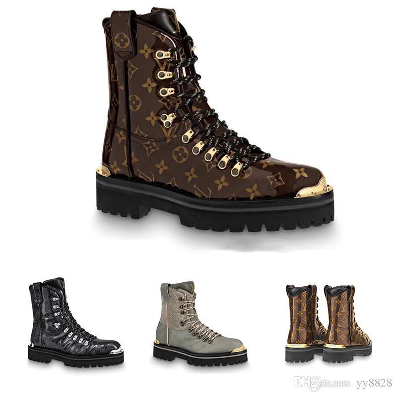 Acheter 2018 Nouveaux Hommes Bottes D hiver Mode Designer Chaussures De Luxe  Et Bottines, Modèle 1A4K30 Et 1A4K2W Boîte D emballage Originale Sac  Étanche À ... 07f98be5204d