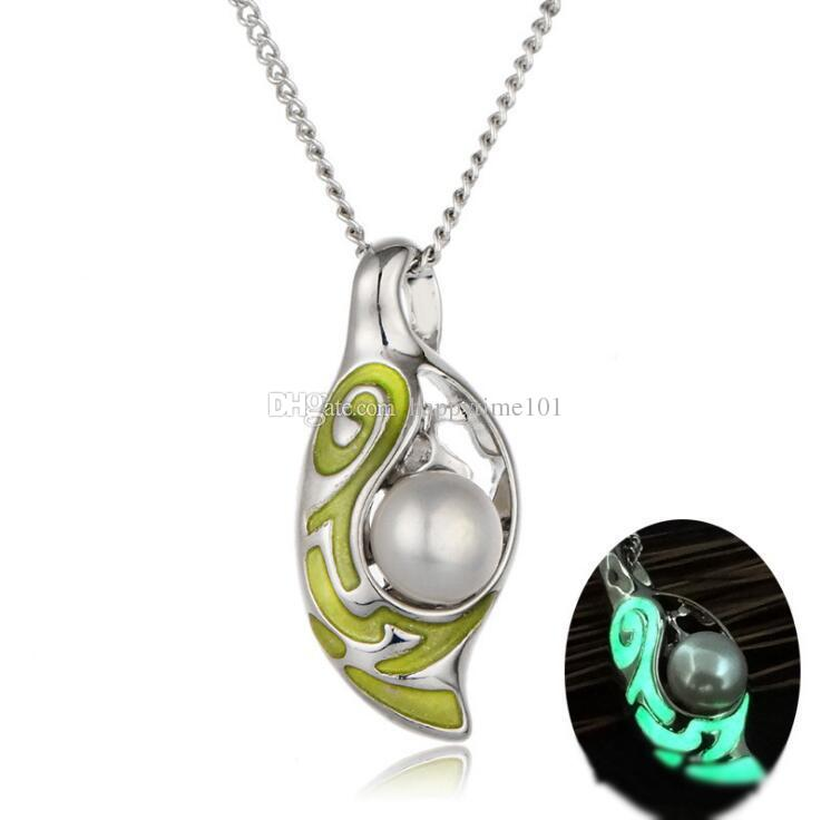 2017 Luxury Hollow Out Luminous Night Locket Statement Necklace Jewelry Fresh Pearl Oysters Lover Pendant Necklaces For Girls Adorn Article
