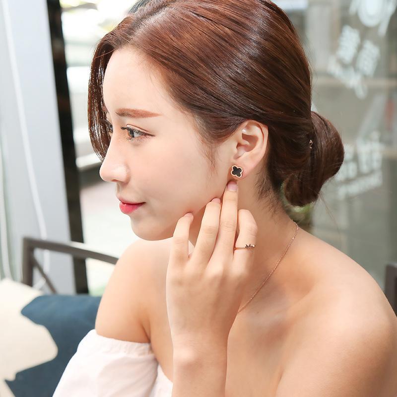2018new japão e coréia do sul trevo colar feminino clavícula titanium aço 14 k rose gold namoradas presente de aniversário sen pingente simples