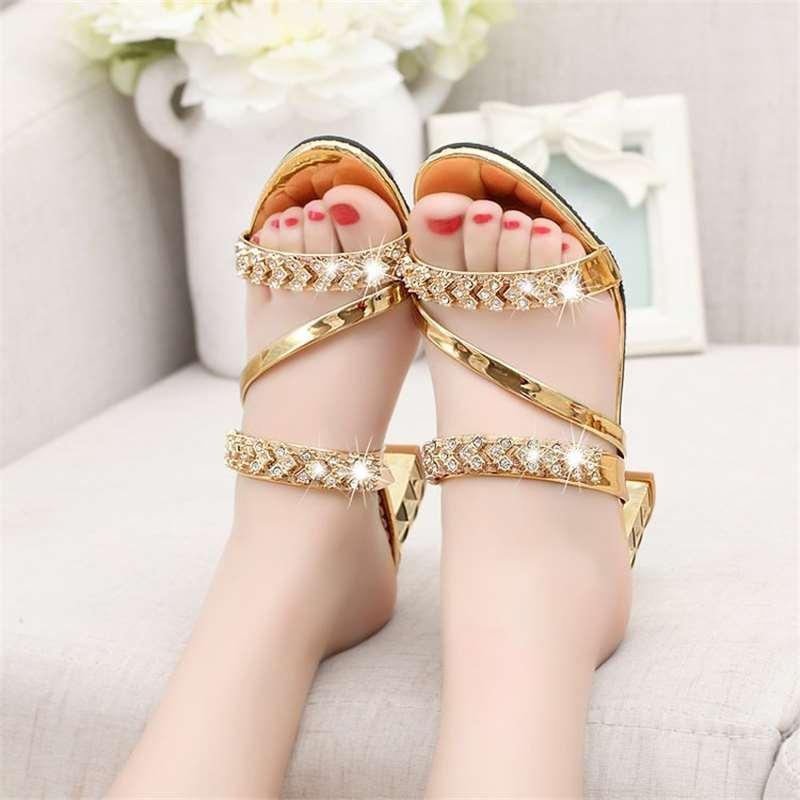 2018 New Ms. Sandals Summer Korean version Rhinestones Sandals and slippers Women With Large yard Thick with Word Flip Flops Shoes