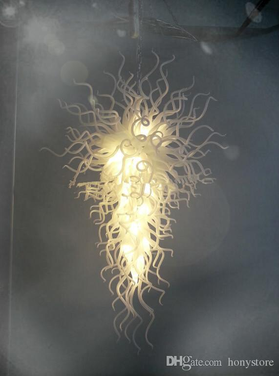 Moda de Murano Diseño Lámparas de araña tradicionales que encienden 110 220 v CA Bombillas Led Blanco redondo Villa Decoración Arte Lámpara de techo