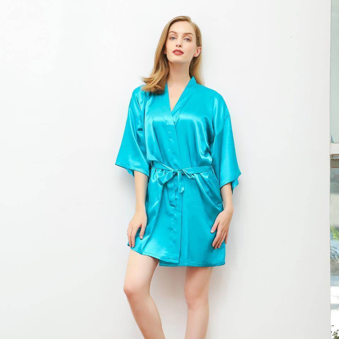 8ce32482884e Encantador Dama De Honra Do Casamento Da Noiva Robe De Cetim Pijamas Verão  Mini Nightdress Kimono Roupão de Banho Casa Vestir Vestido M-XXL