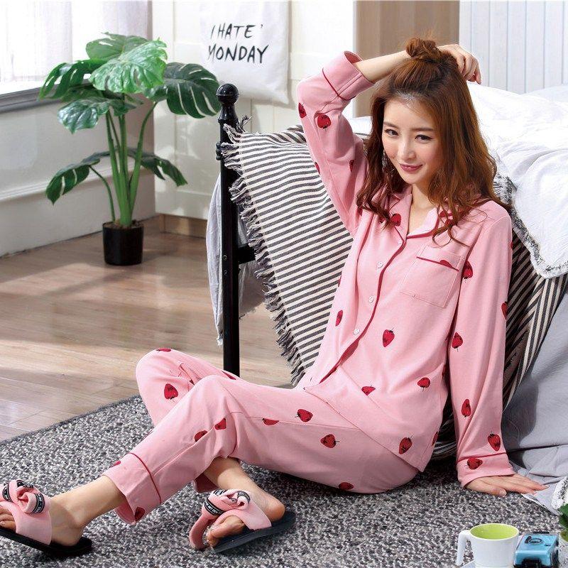 25567805078f Conjunto de pijamas de manga larga de rayas con solapa a rayas de otoño  Conjunto de pantalones de manga larga con estampado de fresas Conjunto para  ...