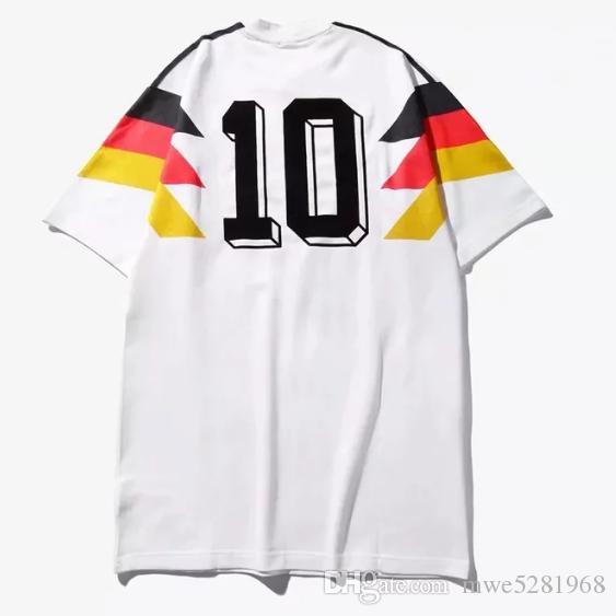 Compre Copa Do Mundo De 1990 Retro Jersey Vintage Alemanha Camisa De  Futebol KLINSMANN Matthäus Início Clássico Casa Branco Retro Jersey De  Futebol Camisas ... 5917c0045f76e