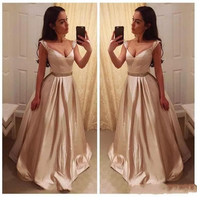 b94915eb7 Compre Simple Una Línea De Baile Largo Vestidos De Raso Piso De Longitud  Vestido De Noche Con Cristales Perlas De Cuello En V Profundo Baratos Prom  Vestidos ...