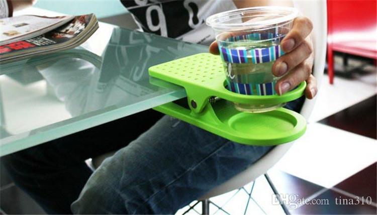 Un nuevo clip de vidrio personalidad creativa titular de bebida de agua tabla en mesa de oficina soporte de vidrio tazas de papel estante IB629
