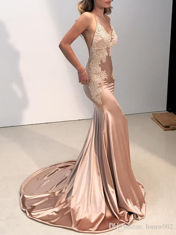 Sexy Backless V Neck Mermaid Prom Dresses 2018 Sparkly Champagne Lace Appliques Evening Party Dresses For Women Wear Sweep Train Prom Gowns